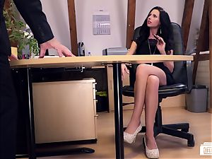butts Buero - German assistant smashed by manager on a desk