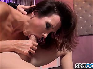 Mature black-haired Shay glances enjoys to deep-throat pecker