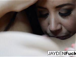 The Jaydens wake up for girl/girl joy