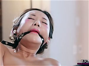 white girl watches as her dark-hued slave penalizes chinese maid