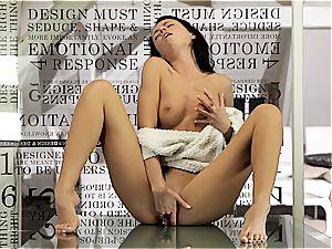 Gina's mindblowing ejaculation