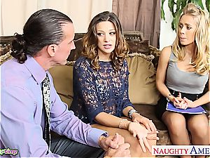 beauty Carmen McCarthy and Nicole Aniston sate him together