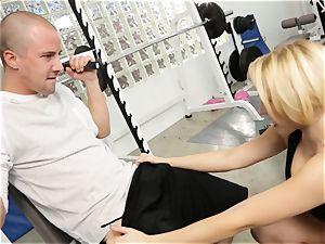 Kagney Linn Karter sumptuous gym nailing
