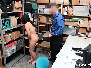 Ella Knox gets caught shoplifting and pays her debt with her gullet and vagina