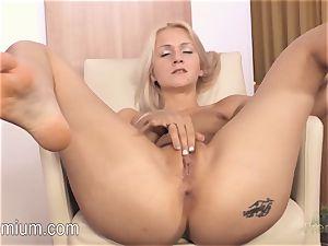Lea Stevenson jerking her sexy wet vagina