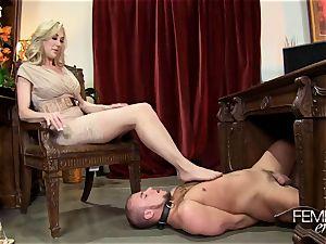 insatiable phat bosses Headmistress Brandi enjoy predominates her employee in the office