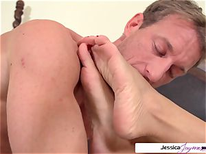 Jessica Jaymes is prepped and mischievous to get pulverized by Ryan