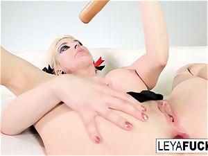 splendid Leya Falcon strips at a gold adorned disrobe club