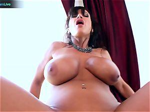 Lisa Ann likes sitting into Toni Ribas huge man rod