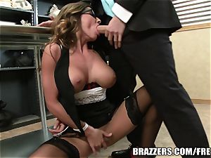 Madison Ivy has an donk that needs a tear up