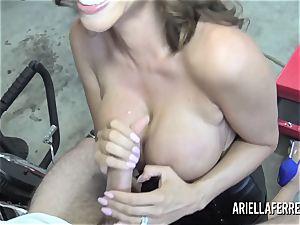 Ariella Ferrera pays the bills with her steamy boink slot