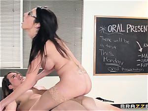 sizzling educator Dava Foxx seduces her nervous student