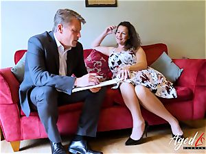 AgedLovE Bussinesman Seduced by super-fucking-hot Mature mommy