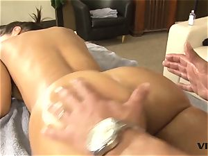 cool cougar Lisa Ann has a taste for latin meat