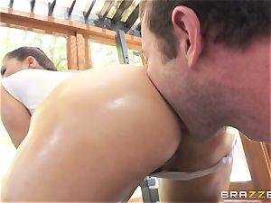 London Keyes oily fuck in a gym