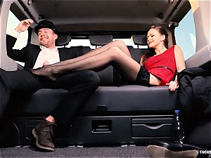 boned IN TRAFFIC - brit Tina Kay penetrated in the car