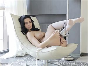 buxom hottie from Russia Kira princess flashes her trendy snatch
