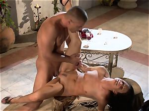 India Summers India Summers is loving the meaty man meat pleasing her sizzling vulva har