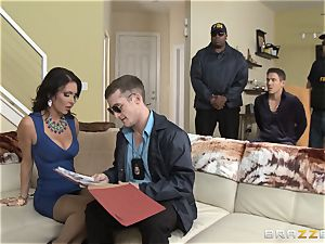 Criminals wifey Jessica Jaymes torn up by a torrid cop
