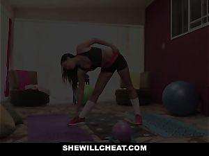 SheWillCheat hotwife gf Karlee Grey nails Trainer