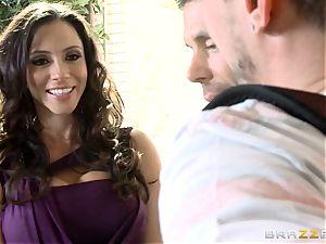 steamy cougar Ariella Ferrera deepthroats her stepsons knob