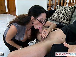 Ariella Ferrera has stellar glasses and enjoys sausage