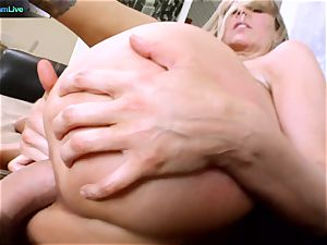 Julia Ann getting her widely opened crevasse stretched