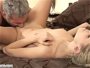 dad pokes his youthfull stepdaughter Nicole Ray
