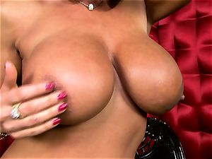 sexy Lisa Ann reveals her large mouth-watering bosoms