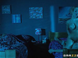 Kagney Linn Karter shares her boy with Brooklyn haunt